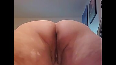 Bbw shaking her big ass at you