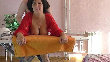 Mature lady with big ass and boobs has sex