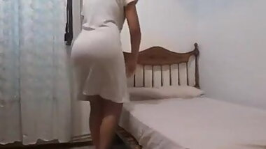 Moroccan girl shows big ass
