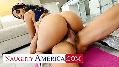 Naughty America - Misty Quinn's phat ass bounces on cock